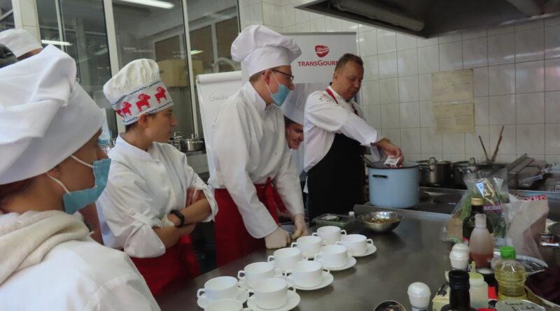 """""""Co jadano w Soplicowie?"""" – innowacja pedagogiczna 2021/2022."""